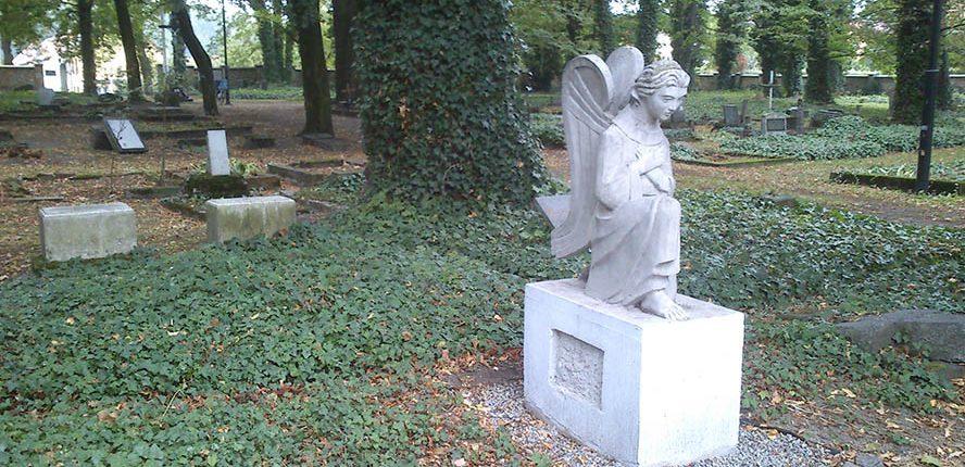 cmentarz hutniczy2